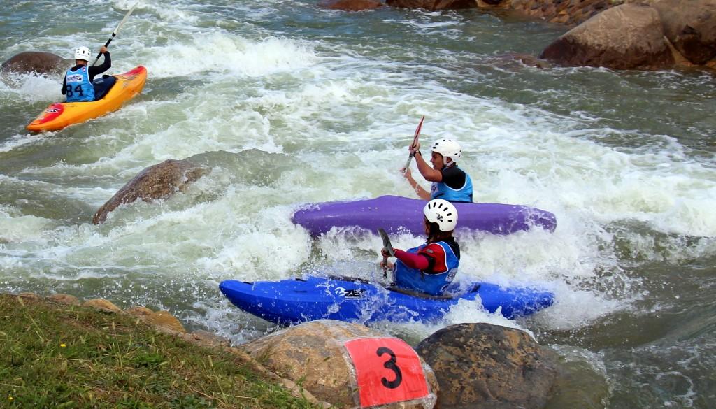Cursos de kayak alcorce rafting