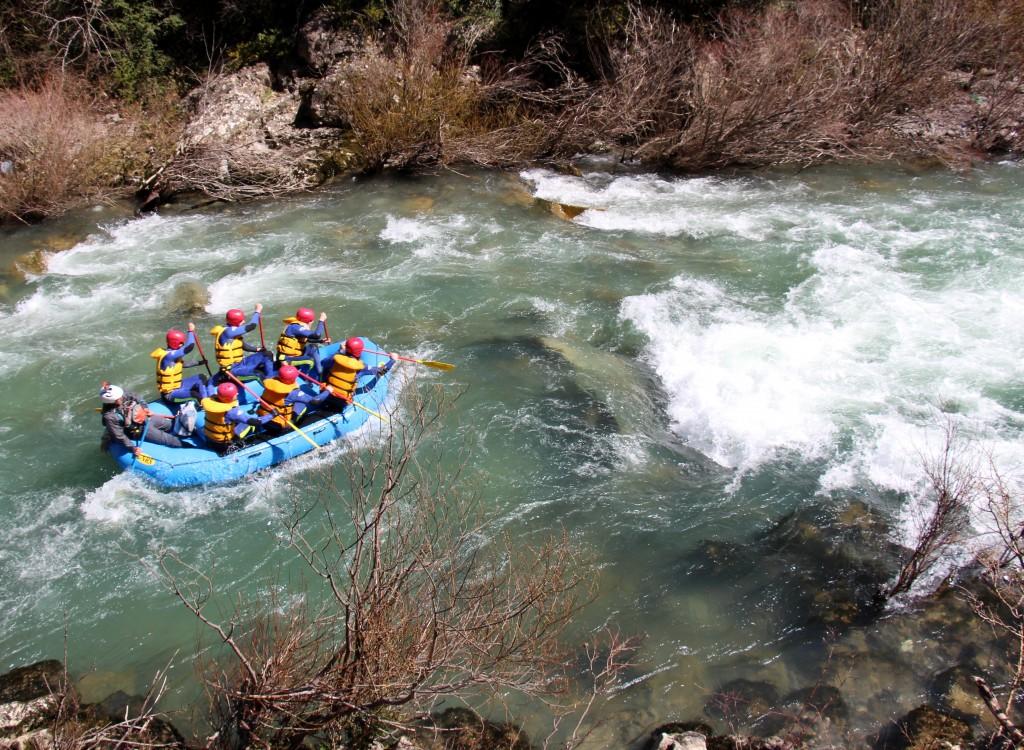Rafting pirineo Huesca aventura despedidas