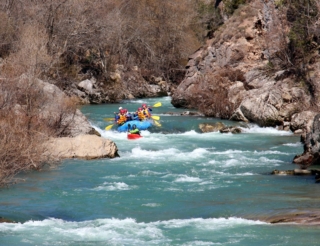 Rafting kayak Pirineos Huesca alcorce.