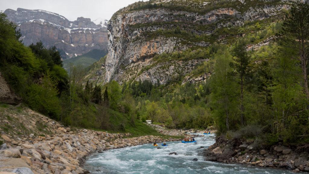 Primeros rápidos río Ara